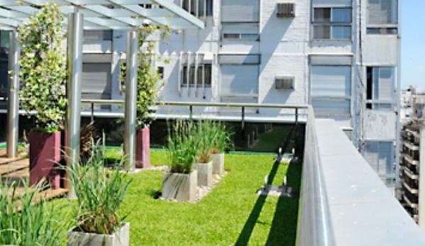 Terrazas verdes en vivienda for Viviendas sobre terrazas