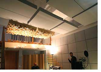 luces led integradas en componentes de techos acsticos hechos de basotect espuma especial de basf ptimas condiciones acsticas de las