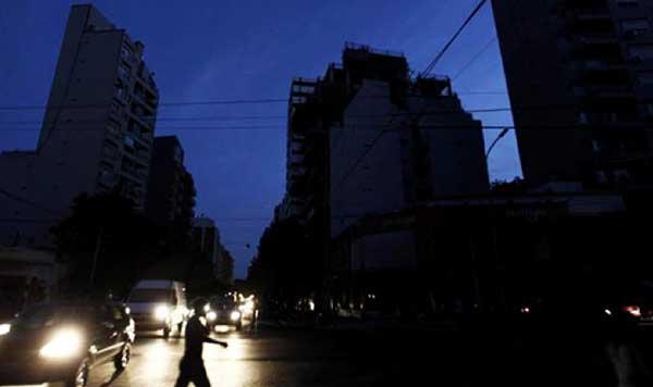 Mesa redonda la ciudad frente a la crisis energ tica en for Ciudad redonda calendario